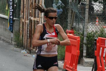 Ellie Greenwood wins the 2010 IAU 100km World Champs in Gibraltar (Jan Vandendriessche)