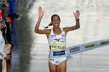 A happy new year for Brazil's Lucélia de Oliveira Peres in São Paulo (MBraga Comunicação)