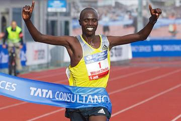 Wilson Chebet wins again in Amsterdam, breaking the course record (Organisers)