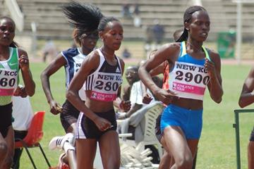 Pamela Jelimo (r) leading Janeth Jepkosgei at the Kenyan Olympic Trials (Ricky Simms)