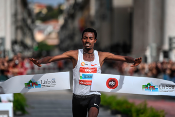Limenih Getachew wins the Lisbon Marathon (AFP / Getty Images)