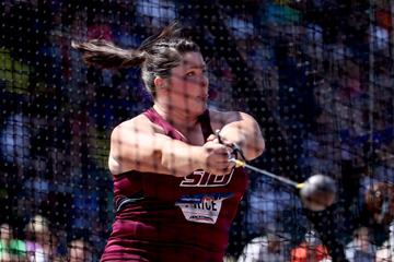 USA's Deanna Price in action in the hammer (Getty Images)