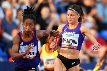 Jenna Prandini (r) and Vitoria Cristina Rosa of the victorious women's 4x100m relay at the Continental Cup (Getty Images)