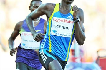 David Rudisha on his way to breaking Sebastian Coe's stadium record in the 800m in the Oslo Diamond League (Mark Shearman)