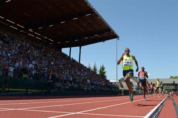 Ayanleh Souleiman wins the mile at the IAAF Diamond League meeting in Eugene (Kirby Lee)