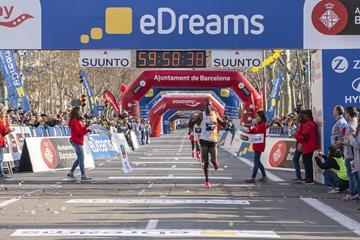 Victor Chumo wins the Barcelona Half Marathon (Organisers)
