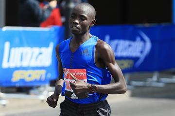Daniel Wanjiru on his way to winning the London Marathon (Getty Images)