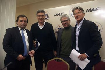 From left: Pablo Bruni, General Secretary for Tourism in Villa la Angostura, Argentina; Daniel Sotto, President of the Argentina Athletics Federation; Diego Zarba, event director of the Patagonia Eventos; and IAAF President Sebastian Coe (IAAF)