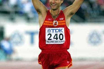Juan Manuel Molina of Spain celebrates winning bronze in the men's 20km race walk (Getty Images)