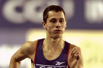 Yuriy Borzakovskiy in the 800m during the 2000 CGU International at Kelvin Hall in Glasgow (Getty Images)