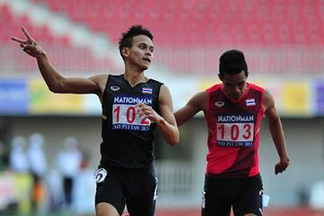 Thailand's Jirapong Meenapra wins the 200m at the 2013 SEA Games (Peh Siong San)