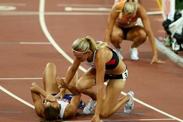 Jessica Ennis-Hill and Brianne Theisen-Eaton at the end of the heptathlon at the IAAF World Championships, Beijing 2015 (Getty Images)