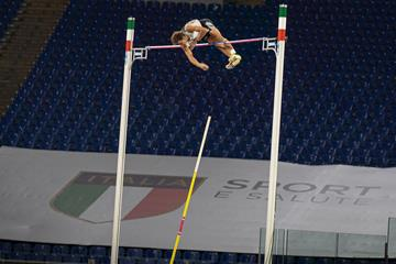 Mondo Duplantis clears 6.15m at the Wanda Diamond League meeting in Rome (Chris Cooper)