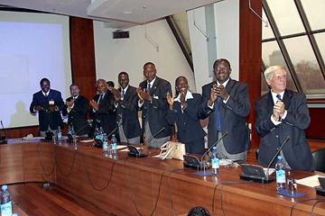 Kenyan delegation celebrate the decision to award Mombasa the 2007 World Cross Country Championships (sportfoto)