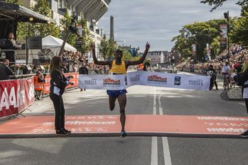 James Mwangi Wangari winning the 2016 Copenhagen Half Marathon (organisers)