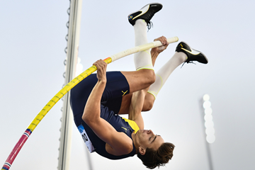 Mondo Duplantis in action at the Diamond League meeting in Zurich (AFP / Getty Images)