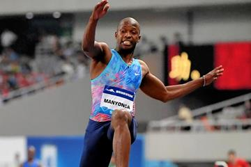 Luvo Manyonga sailing to a Diamond League record in Shanghai (Errol Anderson/Jiro Mochizuki)