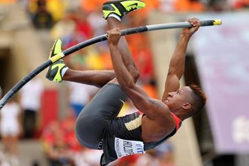 Raphael Holzdeppe in the men's pole vault at the IAAF World Championships, Moscow 2013 (Getty Images)