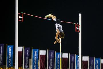 Mondo Duplantis, winner of the pole vault at the Wanda Diamond League meeting in Doha (AFP / Getty Images)