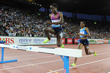 Ruth Jebet on her way to winning the 3000m steeplechase at the IAAF Diamond League final in Zurich (Jiro Mochizuki)