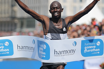 Julius Chepkwony wins the 2016 Geneva Marathon (Organisers / Obrenovitch / mouv-up.com)