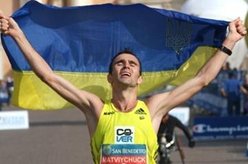 Big 2:11:44 victory in Carpi for Vasyl Matvichuk (Lorenzo Sampaolo)