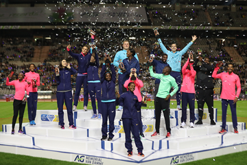 The 16 Diamond Trophy winners of 2017 at the end of the IAAF Diamond League final in Brussels (Giancarlo Colombo)