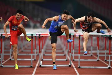 Xie Wenjun (l) en route to Asian title (Getty Images)