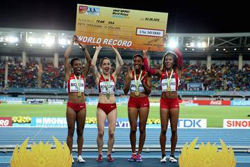 A big cheque - the world record bonus for the USA women's distance medley relay squad after their world record run in Nassau (Getty Images)