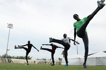 The Athlete Refugee Team practices prior to the IAAF / BTC World Relays Bahamas 2017 in Nassau (Getty Images)