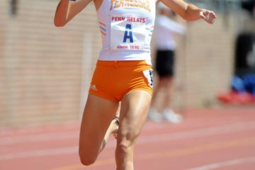 Sarah Bowman clocks a 4:10.2 split - the second fastest in meet history - to anchor Tennessee to a World best in the 4x1500m at The Penn Relays (Kirby Lee)