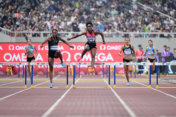 Dalilah Muhammad and Janieve Russell in the 400m hurdles at the IAAF Diamond League meeting in Shanghai (Errol Anderson)