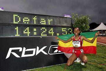 Meserat Defar sits by her World record clock in New York (Victah Sailer)