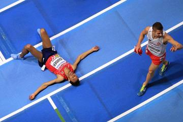 Abdalaati Iguider and Marcin Lewandowski after the 1500m at the IAAF World Indoor Championships Birmingham 2018 (Getty Images)