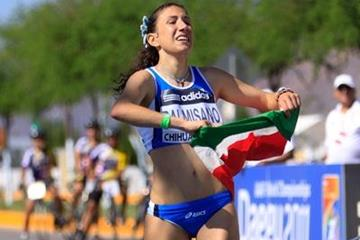Antonella Palmisano wins the women's junior race at the 2010 World Race Walking Cup in Chihuahua (Getty Images)