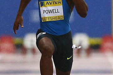 Asafa Powell runs 9.87 sec in exceptionally wet conditions in Gateshead (Getty Images)