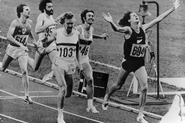John Walker (r) of New Zealand winning the 1976 Olympic 1500m title (AFP/Getty Images)