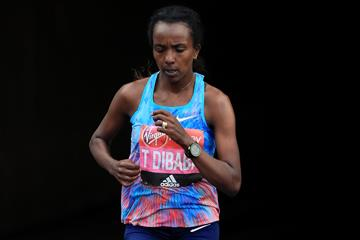 Tirunesh Dibaba in action at the London Marathon (Getty Images)
