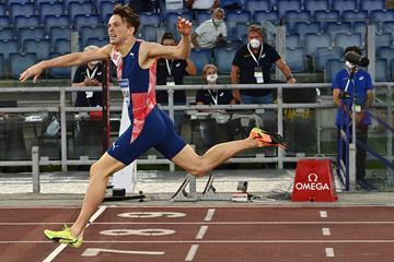 Karsten Warholm wins the 400m hurdles at the Wanda Diamond League meeting in Rome (AFP / Getty Images)