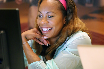 Sanya Richards-Ross speaks to fans online in Doha ahead of her 2015 IAAF Diamond League debut (Organisers)