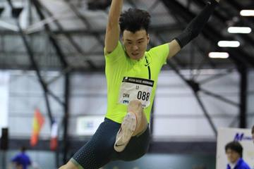 Li Jinzhe in action indoors at the 2015 Meeting D'Athletisme Mondeville (Jean-Pierre Durand)