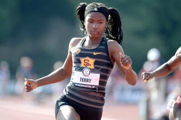 Twanisha Terry wins the 100m at the US Junior Championships (Kirby Lee)