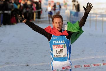 Andrea Lalli wins the senior men's title at the European Cross Country Championships (Mark Shearman)