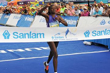 Isabella Ochichi wins the Cape Town Marathon (Organisers)