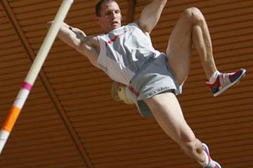 Tim Mack clears 6.01 in Monaco (Getty Images)