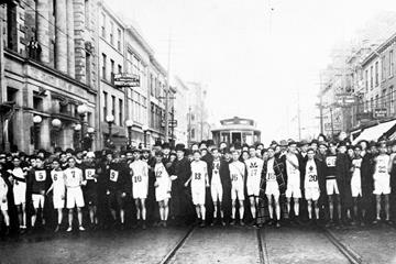 1908 Start - Around the Bay Road Race, Hamilton, Ontario (Around the Bay Road Race)