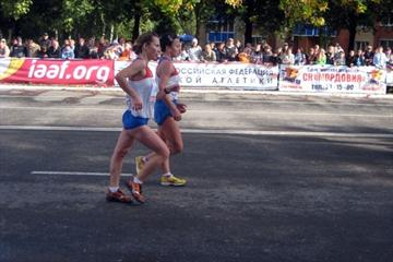 Tatyana Mineyeva and Vera Sokolova racing in the 10km in Saransk (Alla Glushchenko)