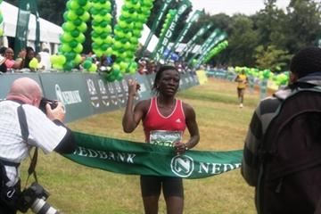 Sharon Tavenga winning the Nedbank Johannesburg City Marathon (Mark Ouma)