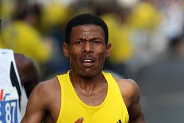 Haile again! On the way to his 2:03:59 World record in Berlin (Victah Sailer)