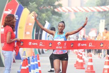 Ethiopia's Tsehay Gemechu breaks the course record at the Airtel Delhi Half Marathon (Procam International/organisers)